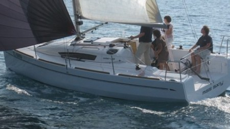 Elan 310 triumphs at Southampton and Genoa
