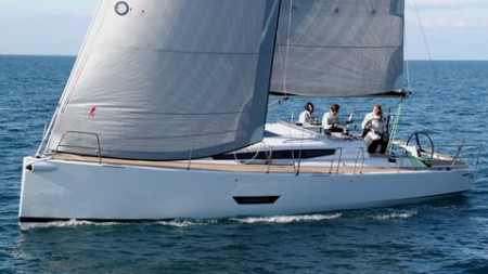 ELAN 400 YACHTS AND YACHTING TEST