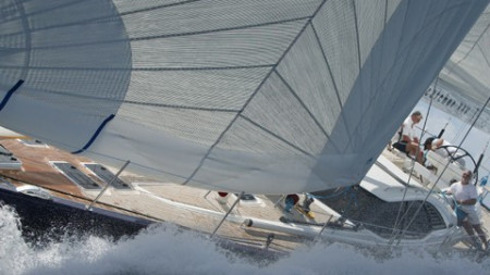 Oystercatcher XXV wins Rolex Race Around the Island