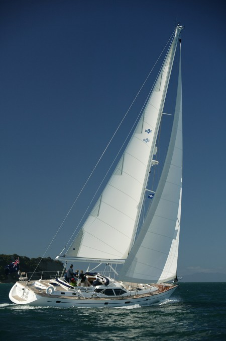 2000 Oyster 53 wins Yacht of the Year award UK